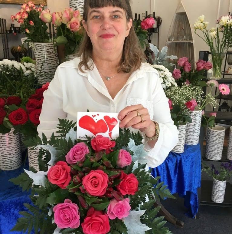 Et billede af Bente fra Bentes Blomsterhjørne.
