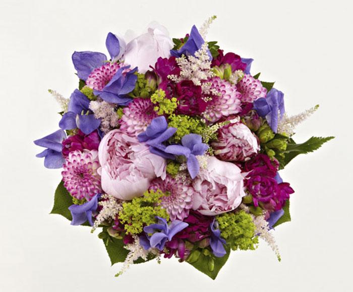 Brudebuket af sommerblomster