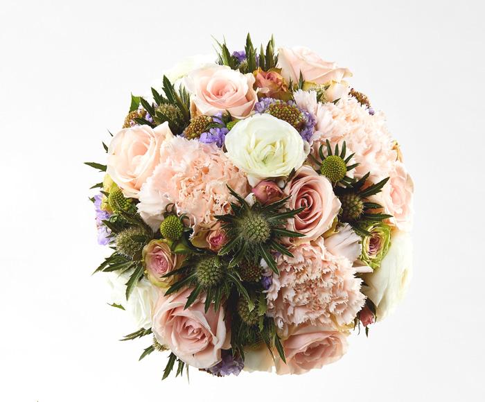 Rund brudebuket i lysrosa og lilla
