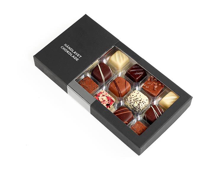 Bestil en stor æske af husets lækre eksklusive chokolader