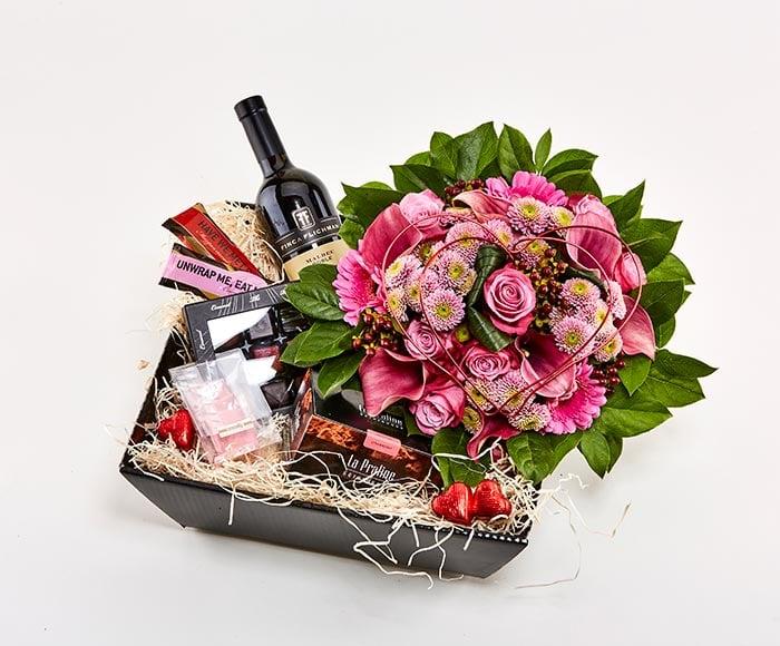 Gavekasse med blomstrende kærlighed