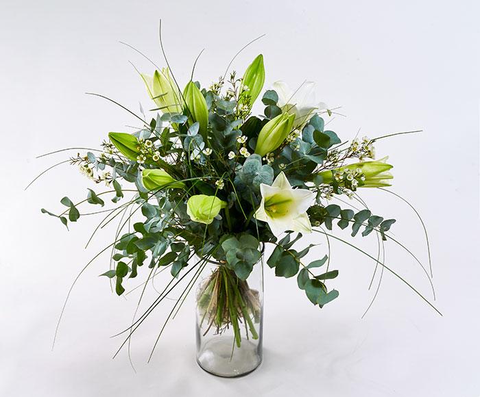 Image of   Buket hvide liljer