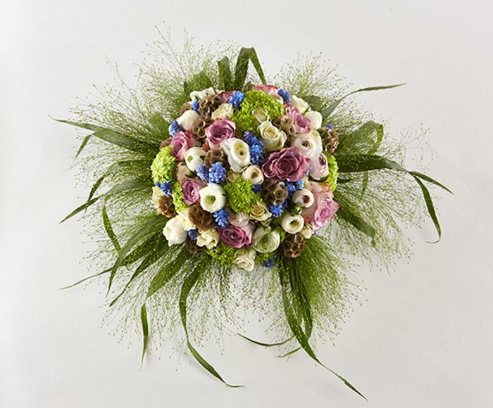 Brudebuket af forårsblomster