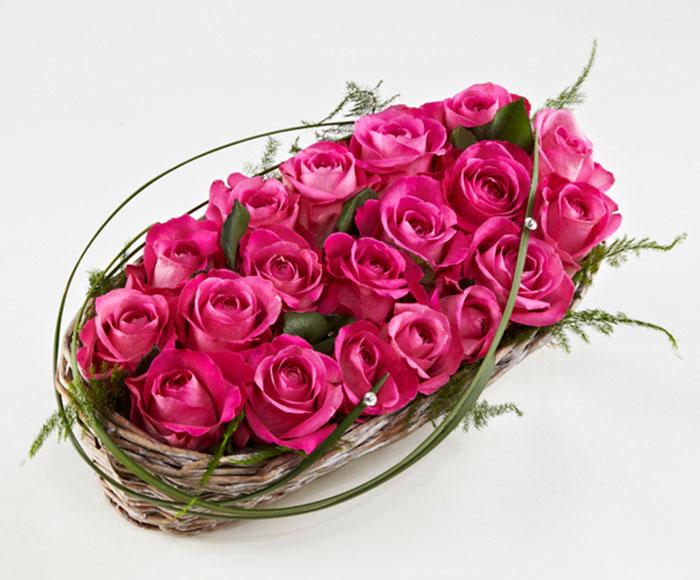 Kurv med pink roser