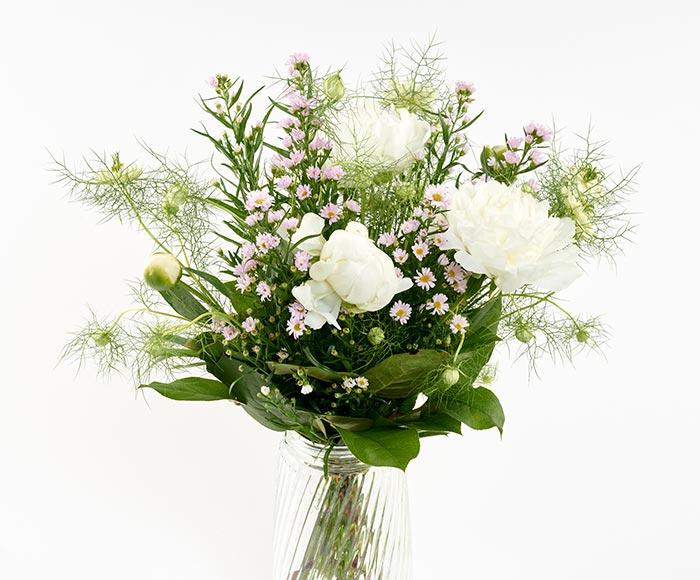 Image of   En smuk, lys og romantisk buket til hende du elsker.
