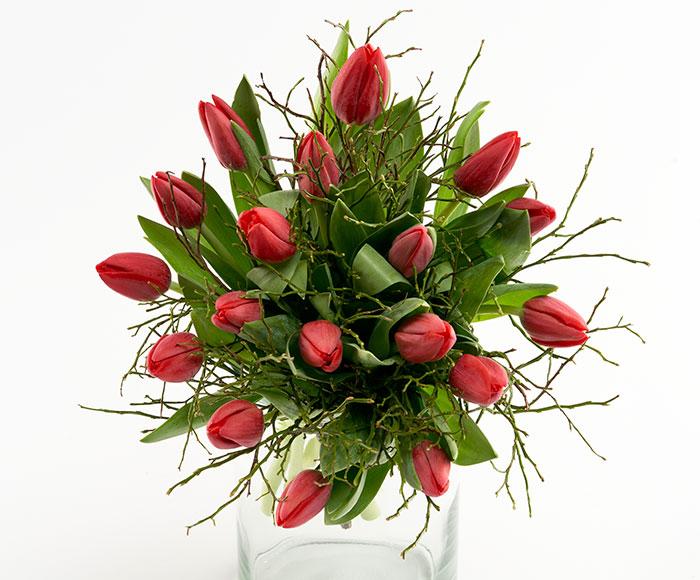 Ensfarvede tulipaner, floristens valg